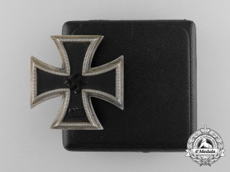 An Iron Cross 1939 First Class by Zimmermann in it's Matching LDO Case by Zimmermann of Stuttgart