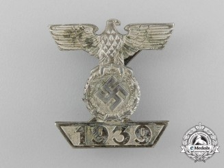 A Fine Clasp to the Iron Cross 1939 Second Class; Type II