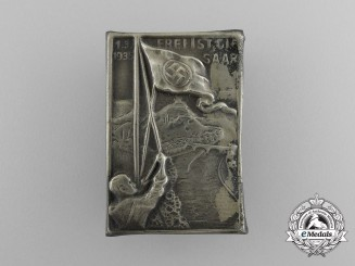 """A 1935 """"The Saar is Free"""" Badge"""