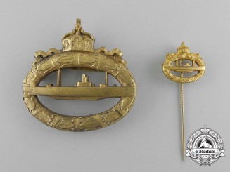 A German Imperial Submarine War Badge with Stickpin