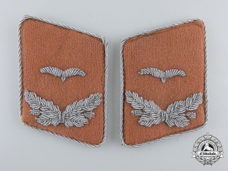 A Set of Luftwaffe Signals Leutnant's Collar Tabs