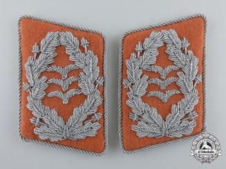 A Luftwaffe Signals Oberst's Collar Tabs