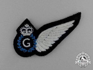 A Queen's Crown Royal Australian Air Force (RAAF) Gunner (G) Badge