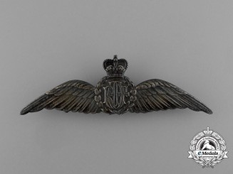 A Queen's Crown Royal Australian Air Force (RAAF) Pilot Badge