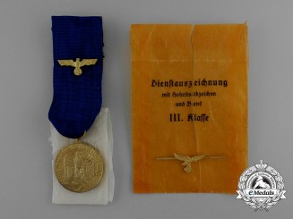 A Mint 12-Year Wehrmacht Long Service Medal; 3th Grade