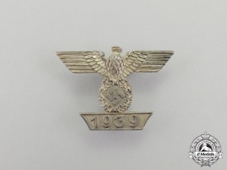 "Germany, Third Reich. A Clasp to the Iron Cross 1939 First Class; First Type by ""Boerger & Co."""