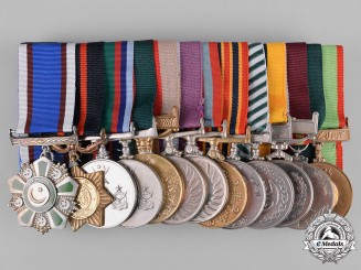 Pakistan, Republic. A Thirteen Piece Campaign Medal Bar