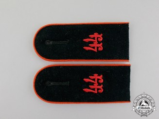 A Mint Matching Pair fo Wehrmacht 44th Artillery Division Enlisted Man Shoulder Boards