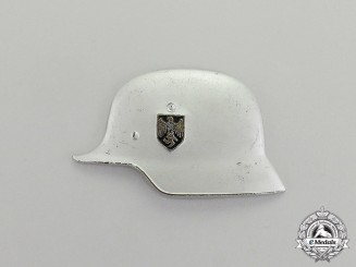 Germany. A German Stahlhelm Badge