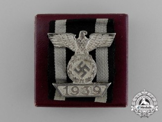 Germany. A Clasp to the Iron Cross 1939 II Class; 2nd Type; in its Original LDO Box of Issue