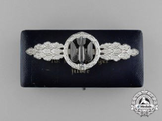 A Mint Silver Grade Squadron Clasp for Bomber Pilots by G. H. Osang in its Original Case of Issue