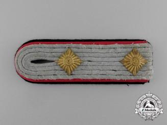 A Single Waffen-SS Artillery Hauptsturmführer Shoulder Board