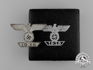 A Mint Cased Clasp to the Iron Cross 1939 First Class; Type II by Wilhelm Deumer of Lüdenscheid