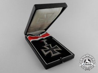 "A Cased Knight's Cross of the Iron Cross 1939 by Steinhauer & Lück; Type-A Micro ""800"" Version"