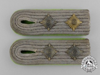 A Pair of Wehrmacht Gebirgsjäger Hauptmann (Captain) Shoulder Boards