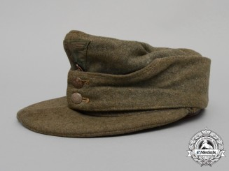 An M43 Enlisted Man's Field Cap