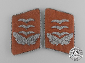 A Mint and Matching Set of Luftwaffe Signal Corps Hauptmann Collar Tabs