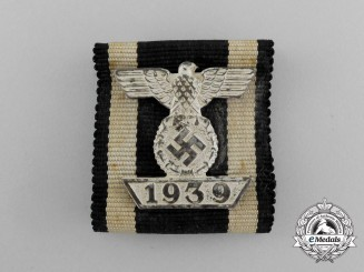 A Fine Clasp to the Iron Cross 1939 Second Class; 2nd Type; Reduced Size in its Original LDO Case