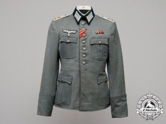 An Army (Heer) Infantry First Lieutenant (Oberleutnant) Officer's Tunic