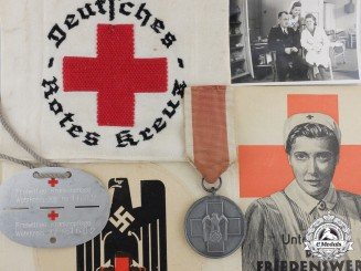 A Second War German Red Cross Nurses Grouping