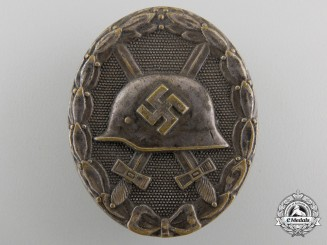 An Early Wound Badge; Silver Grade