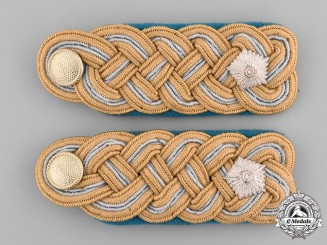 Germany, Federal Republic. A Set of East German Lieutenant General Shoulder Boards and Collar Tabs