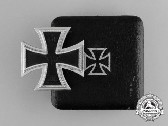 A Second War Manufactured Iron Cross 1914 First Class in its Case of Issue