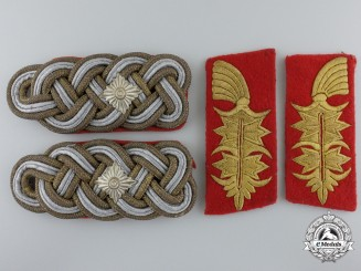 A Pair of Generalleutnant's Shoulder Boards and Collar Tabs