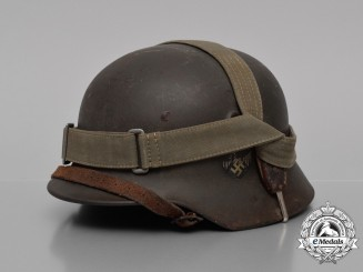 A M40 Single Decal Wehrmacht Heer (Army) Stahlhelm with Bread Bag Strap by Quist
