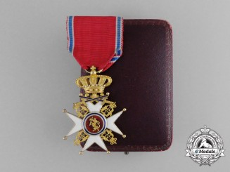 A Norwegian Order of St. Olaf in Gold; Knight, (1847-1905) with Case