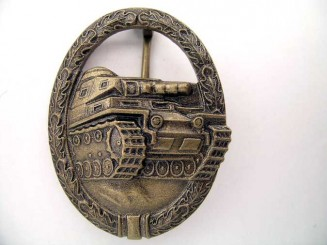 TANK ASSAULT BADGE IN BRONZE