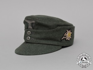 A Mint Waffen-SS Mountain Troops/Gebirgsjäger Enlisted Man's M43 Field Cap