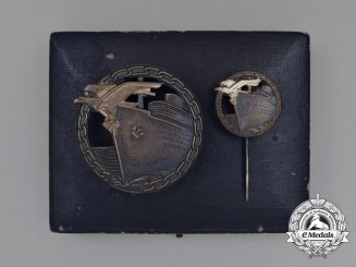 An Early Quality Cased Set of Blockade Runner Badges by Schwerin of Berlin