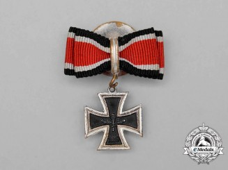 Germany. A Knight's Cross of the Iron Cross 1939 Boutonniere; 1957 Version