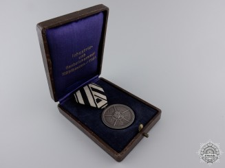 An Interwar German Industrial Award with Case