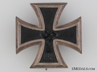 Iron Cross 1st Class 1939 by Maker 65
