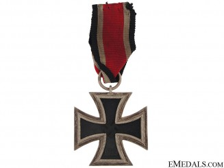 Iron Cross 2nd. Class 1939 – maker # 7
