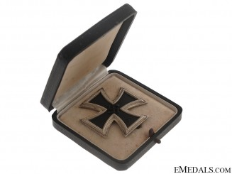 Iron Cross First Class 1939 - Maker 20