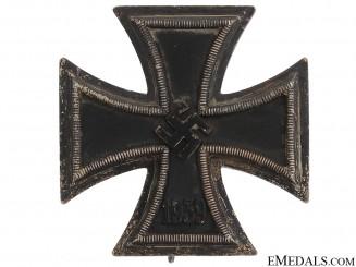 Iron Cross First Class 1939 - WWI Style Pin