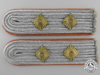 A Pair of Luftwaffe Hauptmann Shoulder Straps; Signals