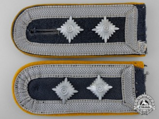 A Luftwaffe Oberfeldwebel Paratroop/Flying Units Shoulder Straps