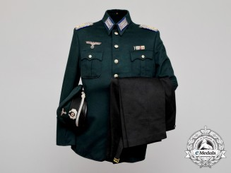An Extremely Rare Transitional German Medical Oberfeldarzt Uniform