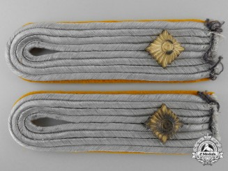 A Pair of Oberleutnant Paratroop/Flying Units Luftwaffe Shoulder Boards