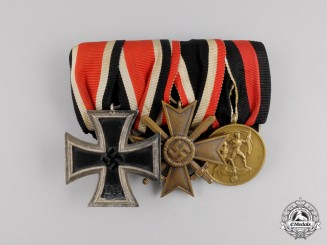 A German Iron Cross 1939 Second Class Medal Bar
