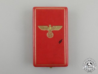 A Third Class German Eagle Order Case of Issue