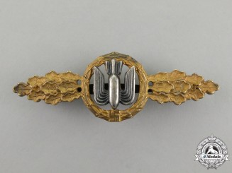 An Early and Fine Gold Grade Luftwaffe Bomber Squadron Clasp