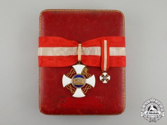 An Italian Order of the Crown: Commander's Cross in Gold