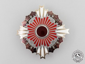 A Japanese Order of the Rising Sun with Pawlonia Flowers; 1st Class Grand Cordon Star