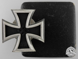 A Cased and Mint Screwback Iron Cross 1st Cl. 1939 by B. H. Mayer