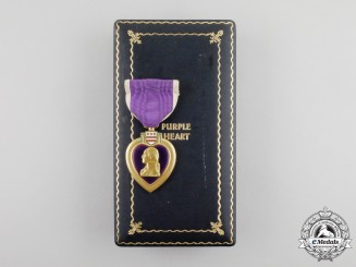 An American Type III (1943-1945) Purple Heart with Boutonniere in its Case of Issue